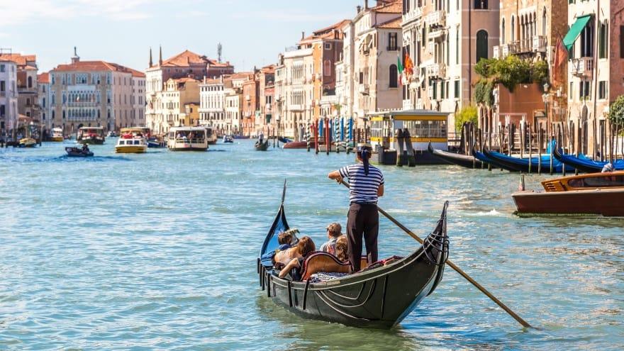 Venedik'te ne yapmalı? Gondol turu