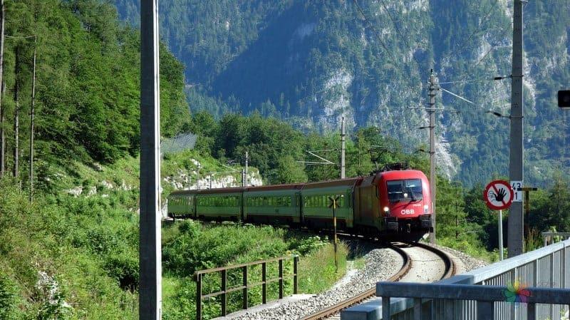 Hallstatt gezilecek yerler trenle ulaşım