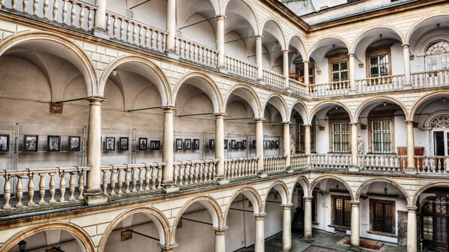 italian Courtyard Lviv'de ne yapılır?