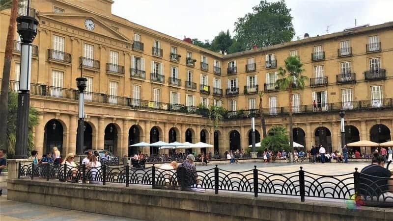 Plaza Berria Bilbao'da görülmesi gereken yerler