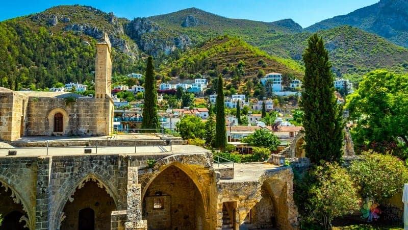 Girne'de konaklama Beylerbeyi otelleri