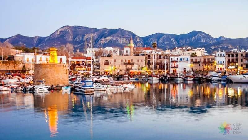 Girne'de konaklama girne limanı otelleri