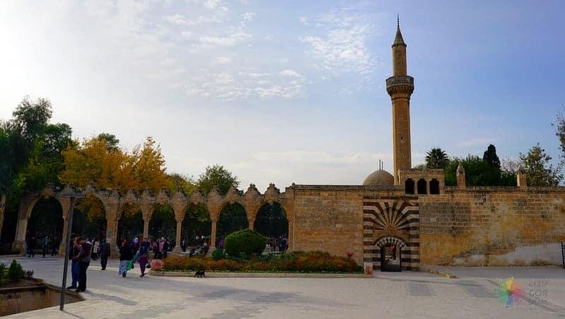 Halil Ur Rahman Cami Şanlıurfa gezilecek yerler