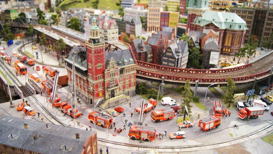 Miniatur Wunderland Hamburg'da ne yapılır?