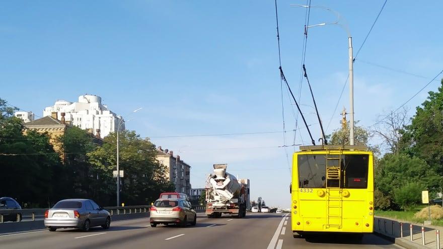 Kiev havaalanından şehir merkezine nasıl gidilir? Trolleybus