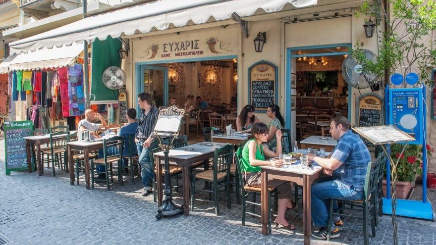 Atina'da ne yapılır? Yunan lezzetleri tadın