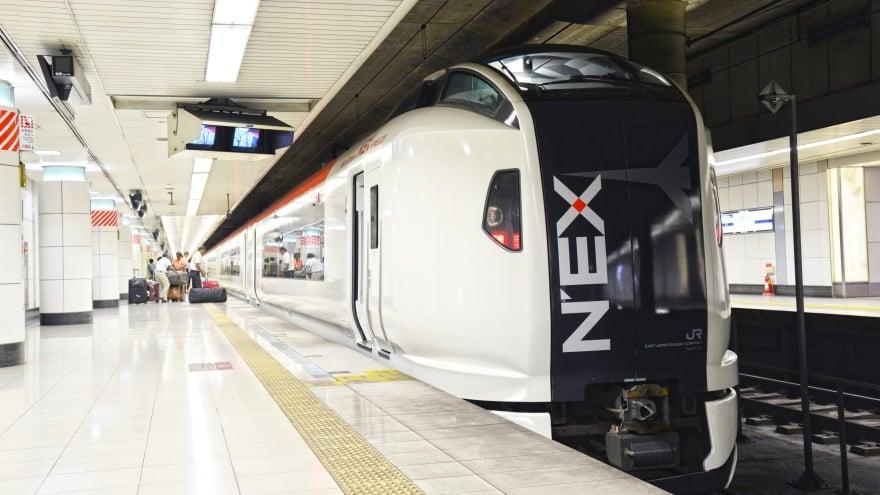 Tokyo Uluslararası Havalimanı Jr trenleri