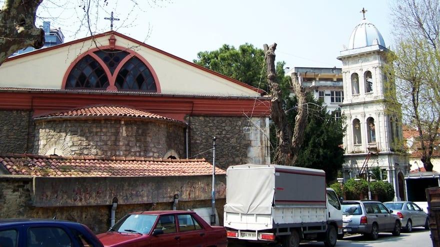 Ayios Panteleimon Kilisesi Kuzguncuk'ta gezilecek yerler