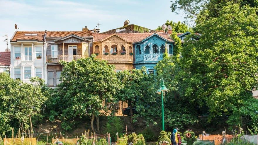 Kuzguncuk gezilecek yerler listesindeki evler