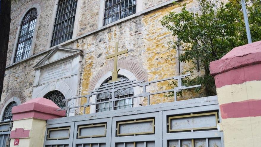 Surp Krikor Lusavoric Ermeni Kilisesi Kuzguncuk gezilecek yerler